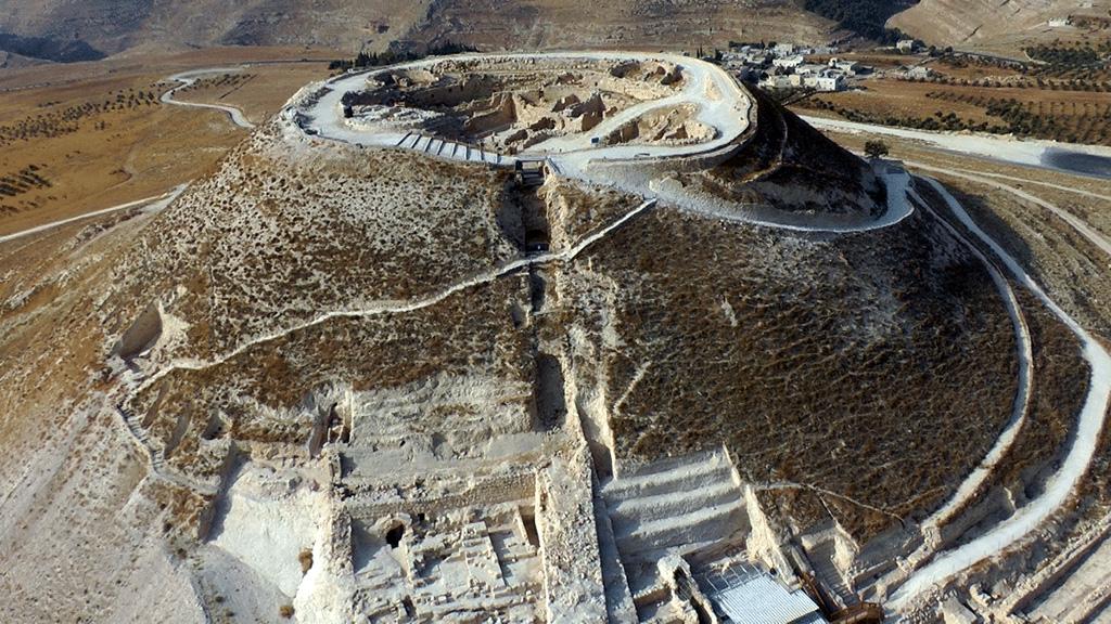 Иродион, дворец-крепость царя Ирода. Фото с сайта israelandyou.com