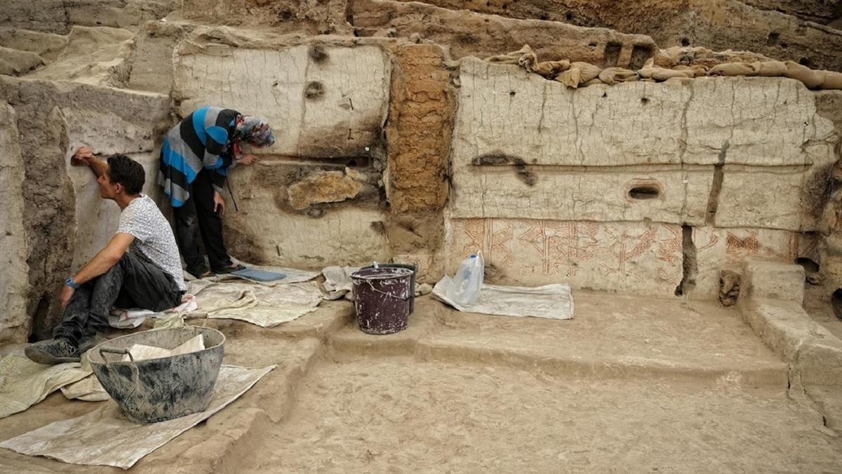 Чаталхёюк является крупнейшим и наиболее хорошо сохранившимся неолитическим поселением.