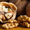 Простая кулинария: сербская брынза, тёртый пармезан, зелень и грецкий орех