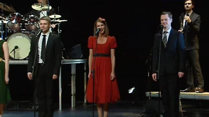 Песни звёзд советской эстрады звучат в спектакле Театра Наций