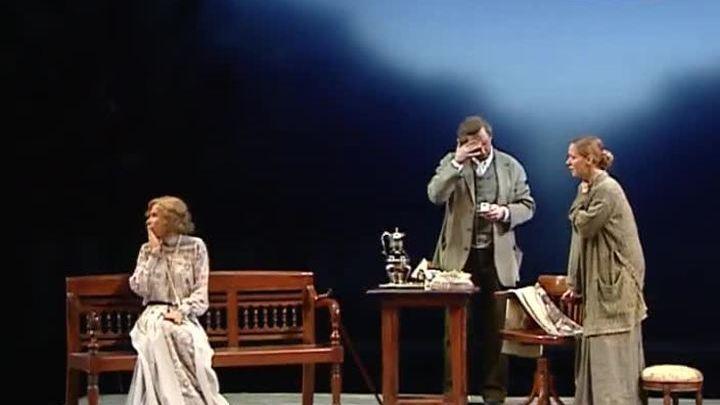 """Театр Моссовета представляет """"Вишневый сад"""" в постановке Кончаловского"""
