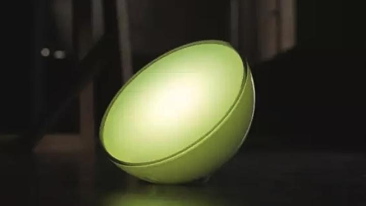 """Hue Go: беспроводной """"умный"""" светильник"""