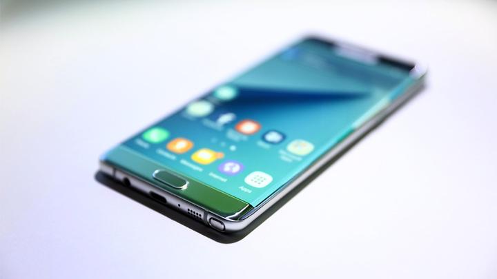 Платежный сервис Samsung включат в России 29 сентября