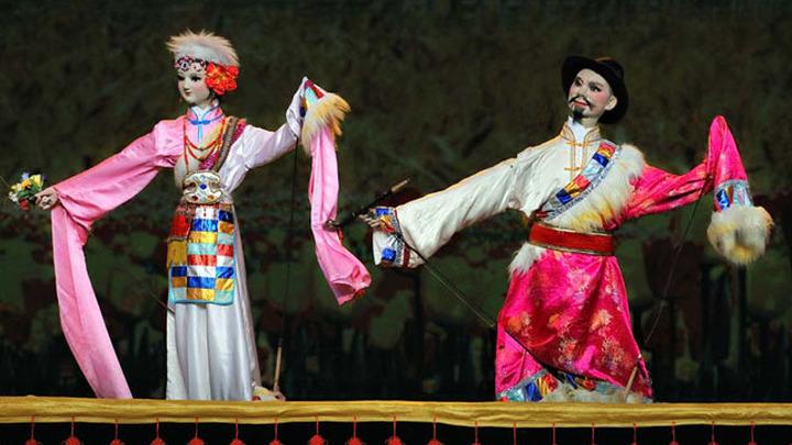 """Сычуаньский театр представил в Москве постановку """"Шедевры кукольного искусства Китая"""""""