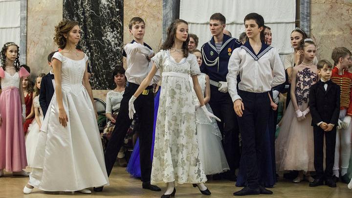 В Михайловском замке прошёл традиционный Рождественский бал