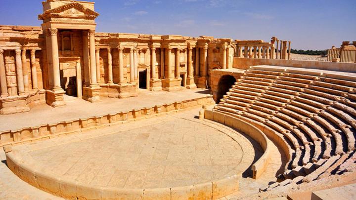 В Пальмире разрушен фасад Римского театра и архитектурный комплекс Тетрапилон