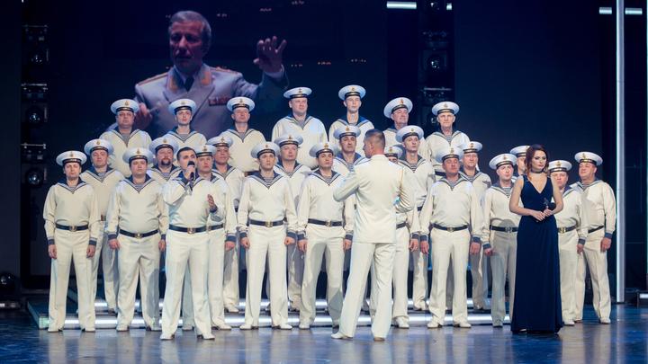 Лучшие военные ансамбли песни и пляски России - на сцене