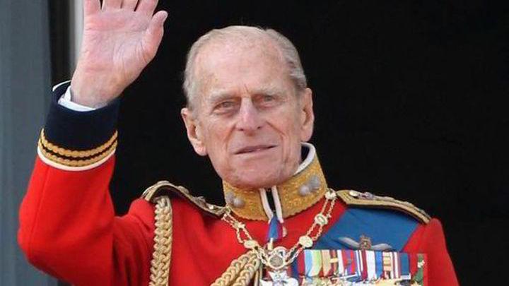 Незадолго до смерти принц Филипп просил Чарльза позаботиться о матери