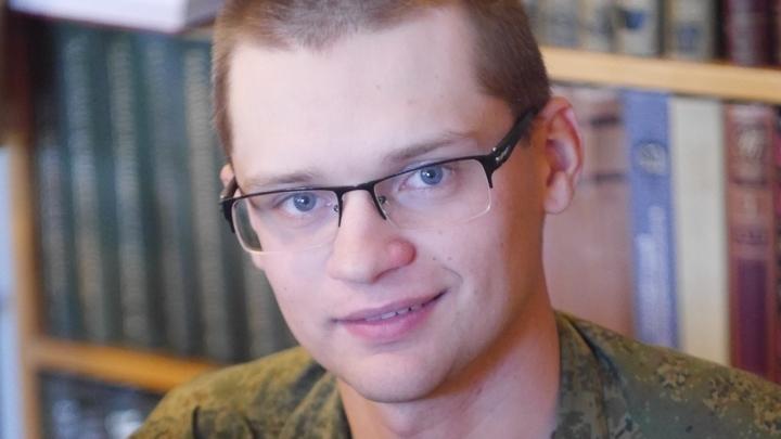 Радиотелеграфист 741 центра связи Северного флота матрос Артем Вишняков