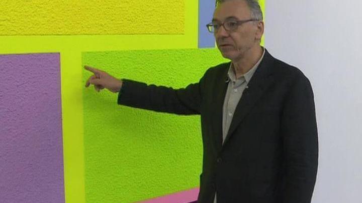 Художник-неоконцептулист Питер Хелли знакомит столичную публику со своими работами