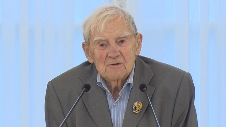 ВПетербурге учредят литературную премию имени Даниила Гранина