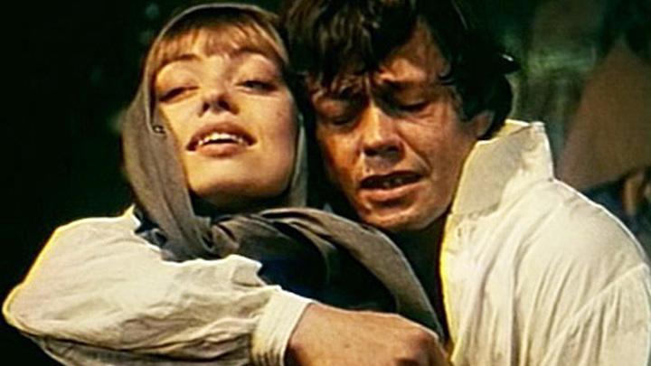 """Сцена из спектакля """"Юнона и Авось"""" (1983). Елена Шанина и Николай Караченцов"""