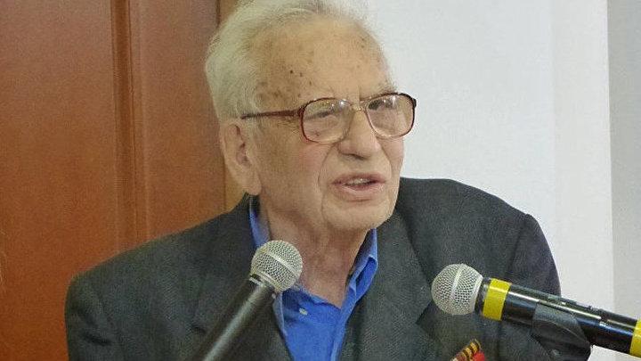 Скончался русский историк Григорий Арш