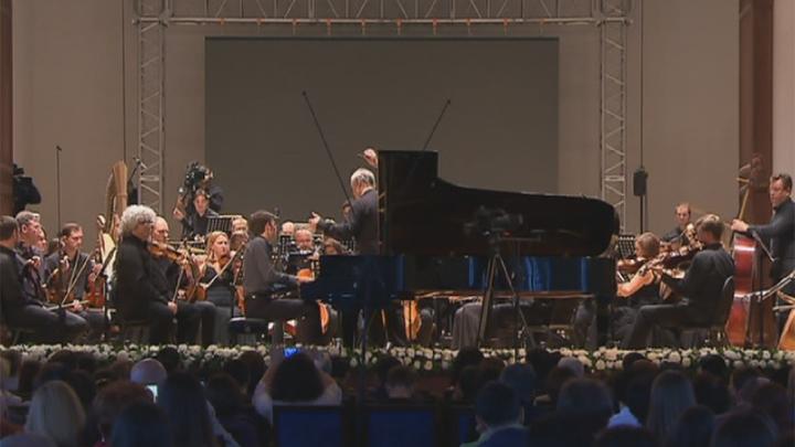 Молодой скрипач изИнгушетии Альберт Шадыжев выступил наоткрытии фестиваля «Мариинский— Владикавказ»
