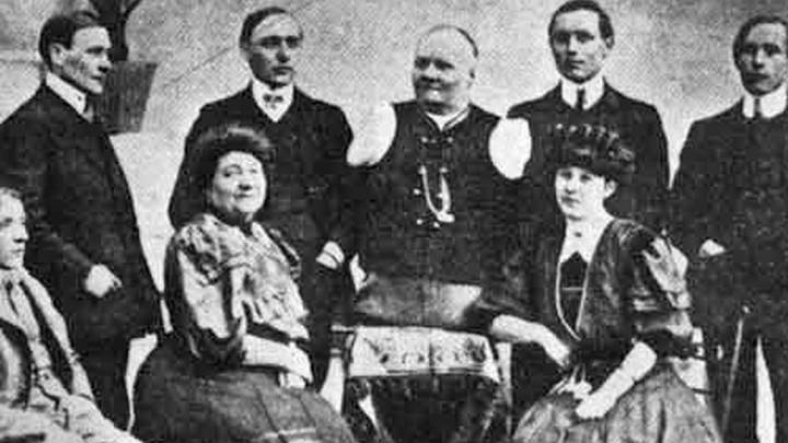 Уроженец Оренбургской губернии Николай Васильевич Кобелков среди родных