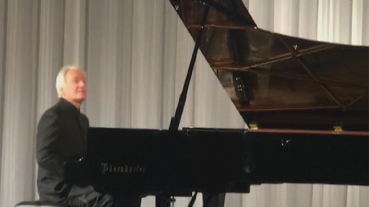 """""""В гости к Ларисе Гергиевой"""" приехал британский пианист Кристиан Блэкшоу"""