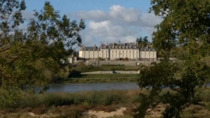 Замок мадам де Помпадур выставят на продажу