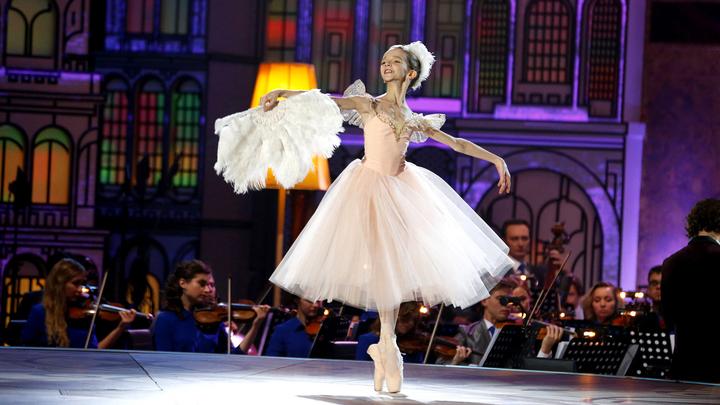 София Маймула. Л. Делиб, вальс из балета «Коппелия»