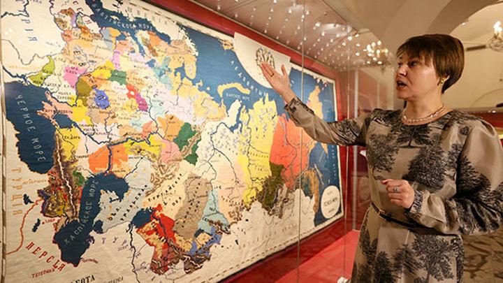 ВоВладивостоке покажут вышитую карту русской империи