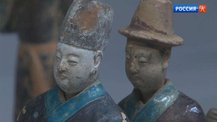 Музеи Кремля открывают выставку обинтеллектуалах Китая династии Мин