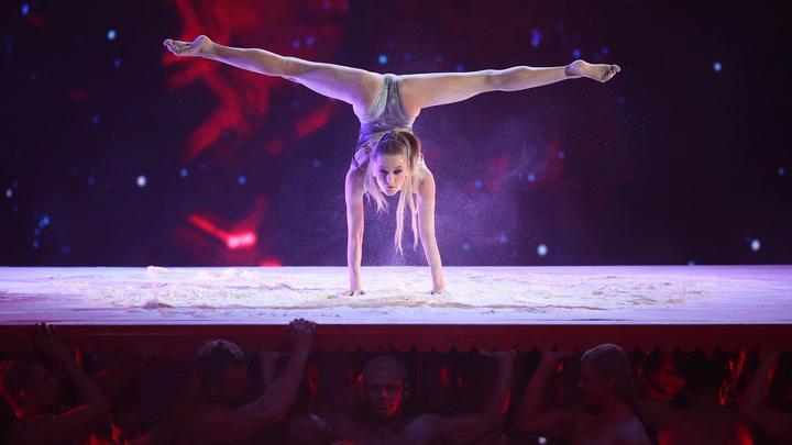 """Ева Шиянова (Россия). Категория """"Невероятная гибкость"""""""