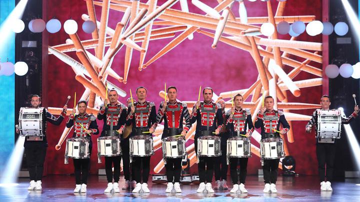 """Лига удивительных людей. Барабанное шоу Vasiliev Groove (Россия). Направление: ударные.  Категория """"Музыка без границ"""""""
