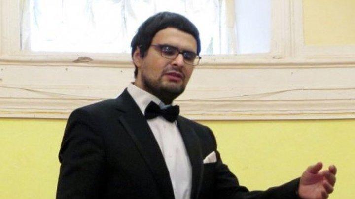 Дмитрий Степанович,  блистательный бас, лауреат международных конкурсов