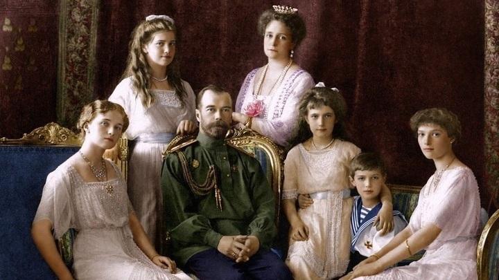 В Екатеринбурге представят уникальную фотографию царской семьи