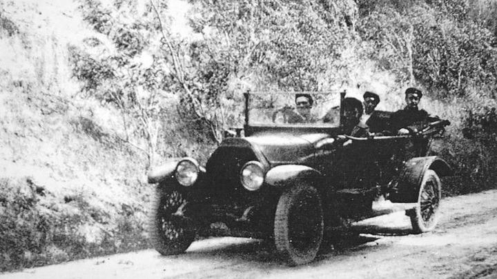 Инженер А.Климентов в поездке по губернии, 1925 год.