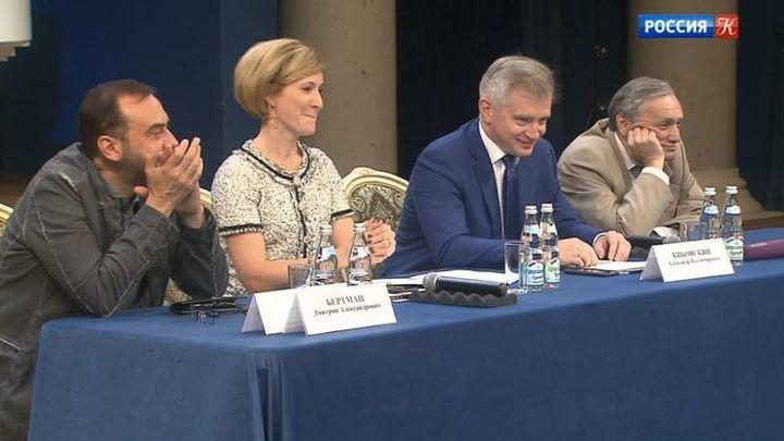 Глава столичного Департамента культуры встретился с руководителями театров