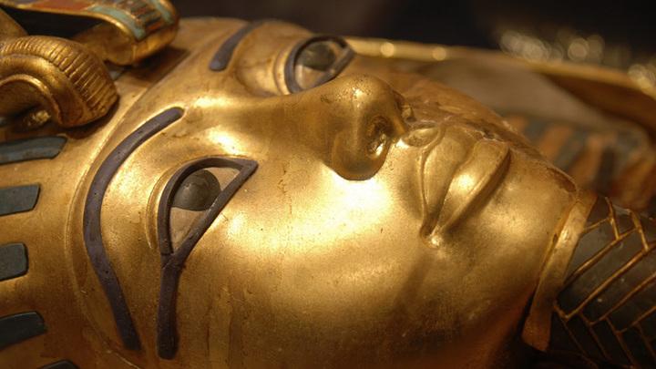 Погребальная маска Тутанхамона. Фото: Adrian Assalve
