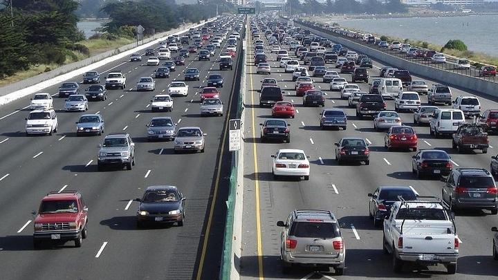 Многие люди, которые предпочитают общественный транспорт, могут в будущем пересесть на личный самоуправляемый автомобиль