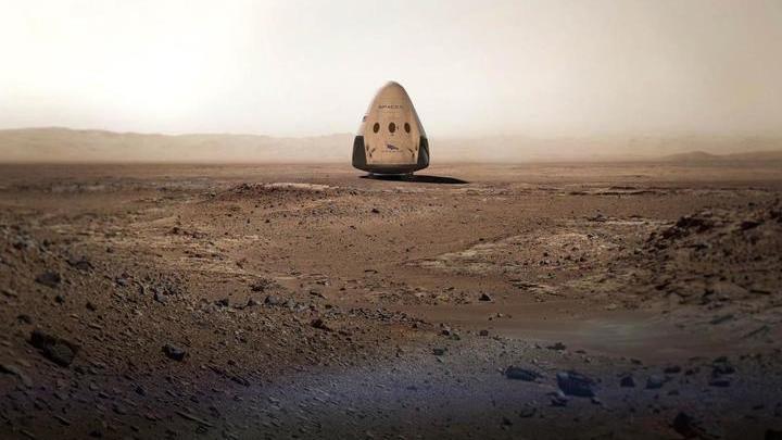 Аэрокосмическая компания SpaceX визуализировала свои планы, выложив в Сеть фотомонтаж: корабль Dragon на поверхности Красной планеты.