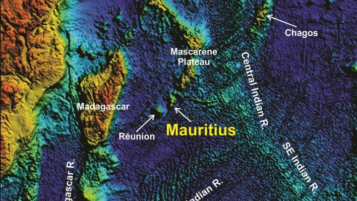Остров Маврикий гораздо младше найденных кристаллов циркона √ ему порядка 8-9 миллионов лет.