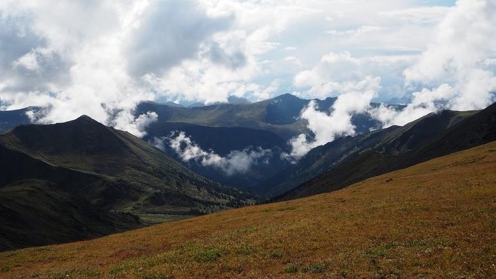 Байкальская рифтовая зона ≈ это активная геодинамическая структура, в которой происходит масса землетрясений.