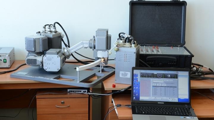 Габаритные размеры манипулятора составляют 700х500х400 миллиметров.