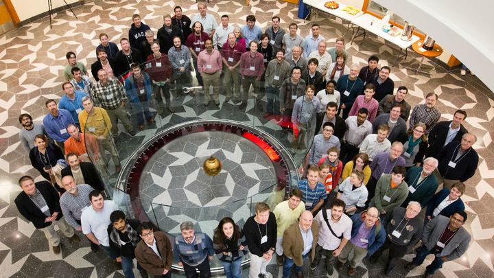 В коллаборацию входят более ста исследователей.