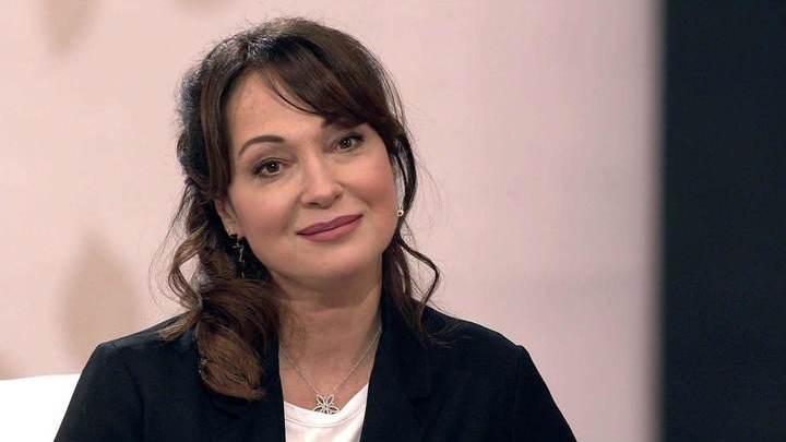 Актриса Тарасова перенесла операцию на плече
