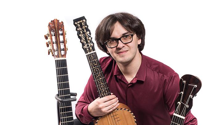 Аркадий Резник, гитарист. Фото  Петра Колчина