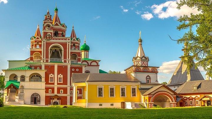 Звонница Саввино-Сторожевского монастыря / Евгений Чернобук / CC BY-SA 4.0