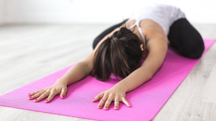 Йога улучшает работу зон мозга, отвечающих за эмоции, внимание и память.