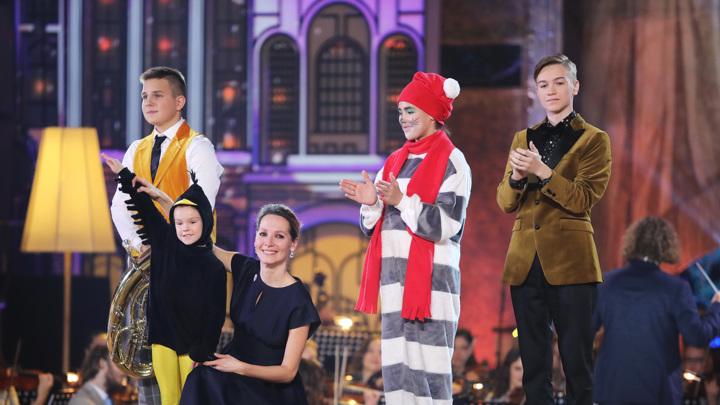 В шестом выпуске победили Иван Кургалин, Иван Пятков, цирковой дуэт Ксения Соловьева и Арина Сагайдак
