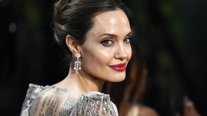 Анджелине Джоли приписывают роман с певцом The Weeknd