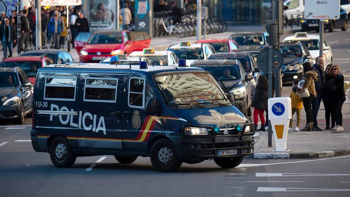 Испанцу, заразившему COVID-19 два десятка человек, предъявлены обвинения