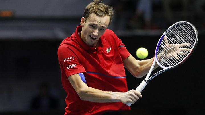 Медведев: в теннисе не понимают отсутствия флага России на Играх