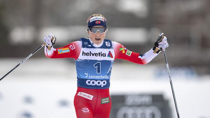 Норвежка Йохауг взяла золото в гонке на 10 км