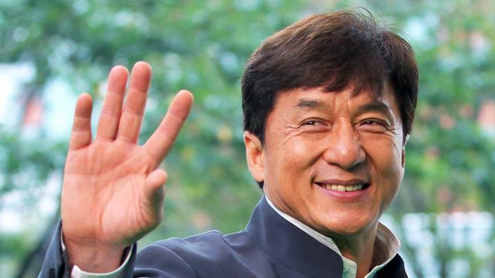 Китайцы высмеяли Джеки Чана, захотевшего вступить в Компартию