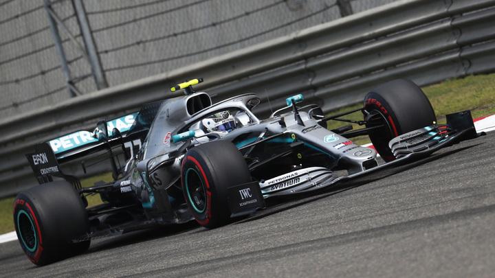 """""""Формула-1"""". Пилоты Mercedes выиграли квалификацию в Венгрии"""