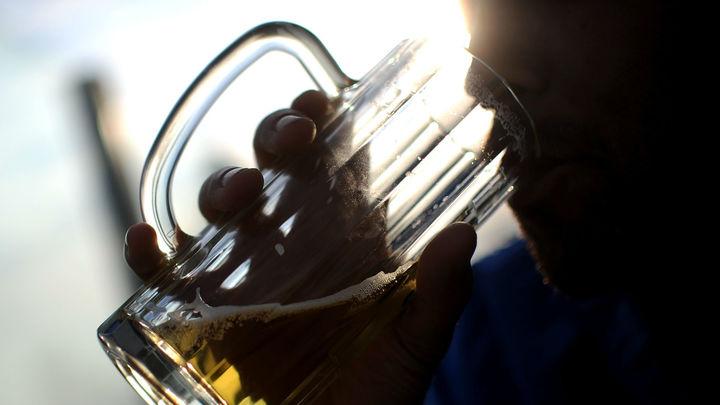 Почему некоторые люди склонны к алкоголизму больше других?
