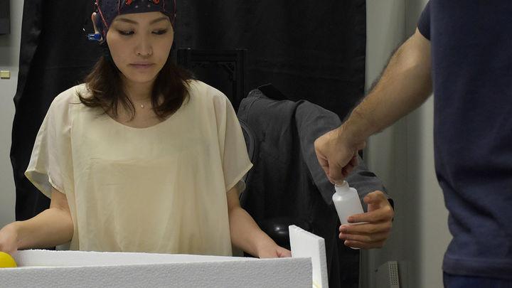 Управляемая мозгом роботизированная рука позволит делать несколько вещей сразу
